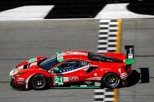 #21 AF Corse Ferrari 488 GT3, GTD: Daniel Serra, Nicklas Nielsen, Simon Mann, Matteo Cressoni