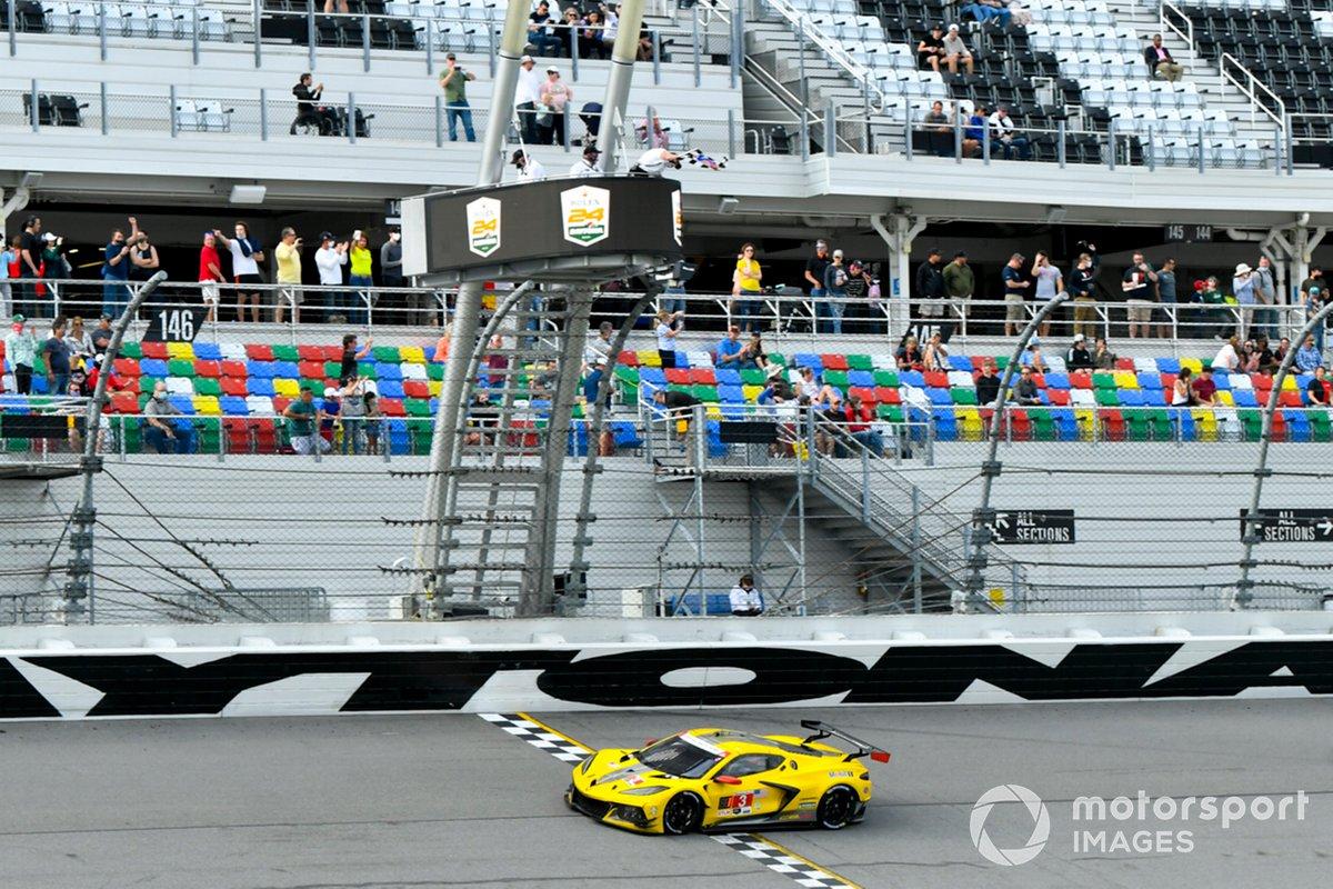 Ganador #3 Corvette Racing Corvette C8.R, GTLM: Antonio Garcia, Jordan Taylor, Nicky Catsburg