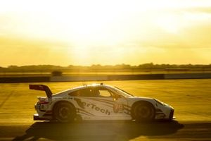 #79 WeatherTech Racing Porsche 911 RSR - 19, GTLM: Cooper MacNeil, Mathieu Jaminet, Matt Campbell