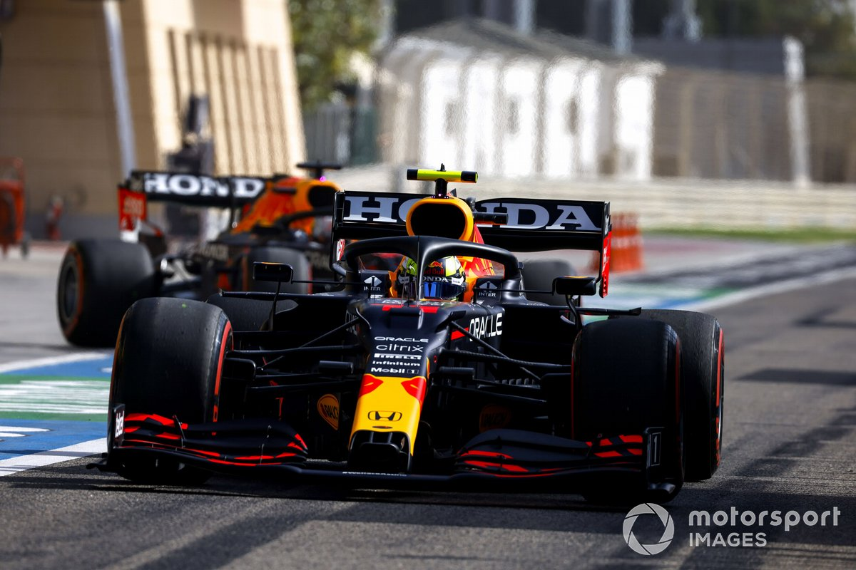 Sergio Pérez, Red Bull Racing RB16B, Max Verstappen, Red Bull Racing RB16B