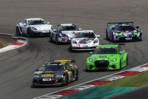 #128 Audi R8 LMS GT4: Carrie Schreiner, Celia Martin