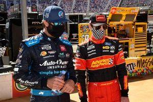 Martin Truex Jr., Joe Gibbs Racing, Toyota Camry Auto-Owners Insurance, Ryan Blaney, Team Penske, Ford Mustang Advance My Track Challenge
