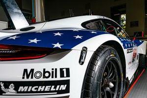 #911 Porsche GT Team Porsche 911 RSR: Frederic Makowiecki, Nick Tandy, Earl Bamber