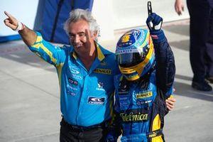 Flavio Briatore y Fernando Alonso, Renault F1 Team, celebran la victoria en parc fermé
