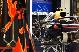 Red Bull RB16B со снятыми кузовными панелями