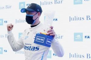 Stoffel Vandoorne, Mercedes-Benz EQ, with the Julius Baer Pole Position Award