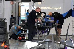 BMW i Andretti Motorsport pit box