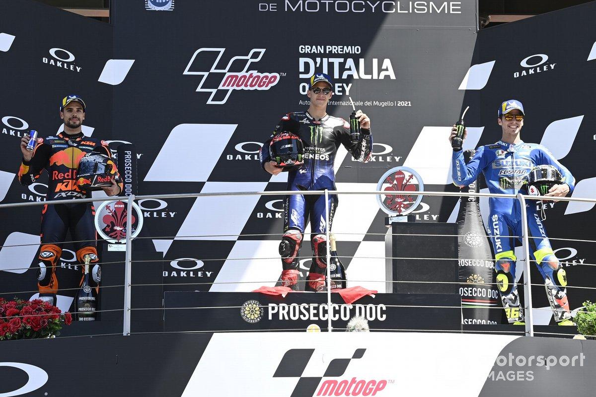 Podio: segundo lugar Miguel Oliveira, Red Bull KTM Factory Racing, ganador Fabio Quartararo, Yamaha Factory Racing, tercer lugar Joan Mir, Team Suzuki MotoGP