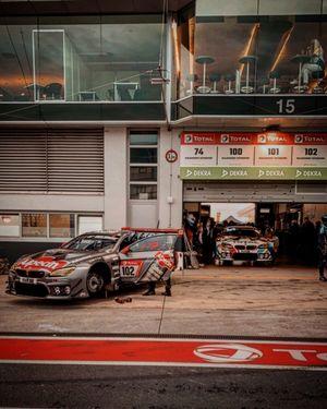 #102 Walkenhorst Motorsport - Jörg Müller, Mario von Bohlen, Sami-Matti Trogen, Kuba Giermaziak, BMW M6 GT3
