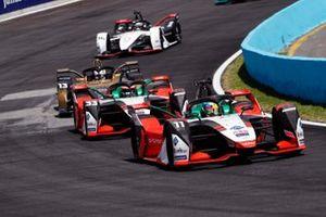 Lucas Di Grassi, Audi Sport ABT Schaeffler, Audi e-tron FE07, leadsRene Rast, Audi Sport ABT Schaeffler, Audi e-tron FE07, Antonio Felix da Costa, DS Techeetah, DS E-Tense FE21