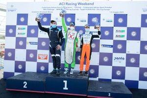 Il podio di Gara 2 categoria DSG: Secondo posto Sabatino Di Mare, Cupra TCR DSG, primo posto Denis Babuin, Bolza Corse, Cupra TCR DSG, terzo posto Marco Butti, Elite Motorsport, Cupra TCR DSG
