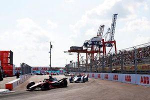 Sebastien Buemi, Nissan e.Dams, Nissan IMO2, Maximilian Guenther, BMW I Andretti Motorsports, BMW iFE.21