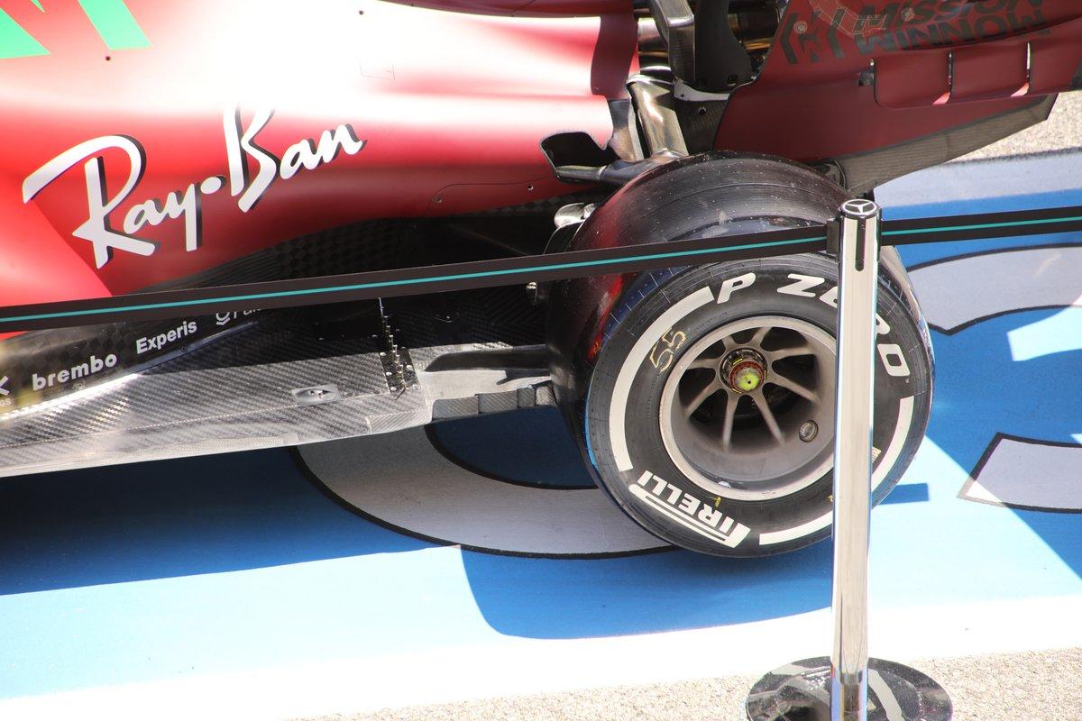 Ferrari SF21 floor detail