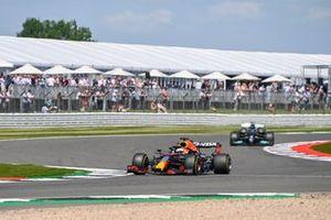 Max Verstappen, Red Bull Racing RB16B, Lewis Hamilton, Mercedes W12