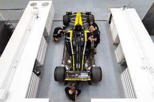 Préparation d'une Renault R.S. 18