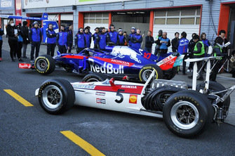Toro Rosso STR13 met de Honda RA301