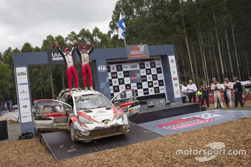 I vincitori Jari-Matti Latvala, Miikka Anttila, Toyota Yaris WRC, Toyota Gazoo Racing
