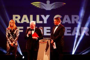 Paddy Hopkirk sul palco per presentare il