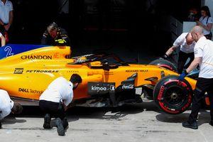 Stoffel Vandoorne, McLaren, revient au garage