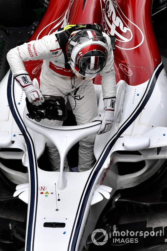 Charles Leclerc, Sauber C37 in Parc Ferme