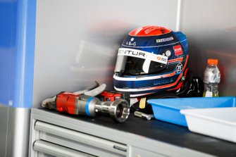 Edoardo Mortara, Venturi Formula E helmet in the garage