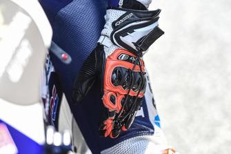Glove of Jorge Martin, Del Conca Gresini Racing Moto3