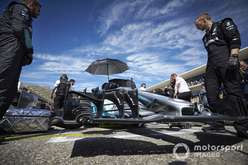 Механіки, Валттері Боттас, Mercedes AMG F1 W09
