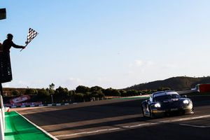 Checkered flag for #77 PROTON Competition Porsche 911 RSR: Christian Ried, Marvin Dienst, Dennis Olsen