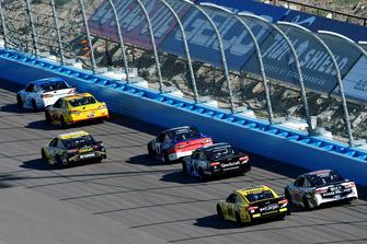 Matt Kenseth, Roush Fenway Racing, Ford Fusion Wyndham Rewards, Joey Logano, Team Penske, Ford Fusion Shell Pennzoil