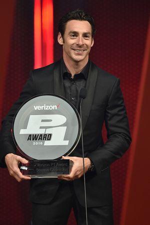 Simon Pagenaud, Team Penske Chevrolet avec le Verizon P1 Award