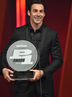 Simon Pagenaud, Team Penske Chevrolet avec le Verizon P1 Award