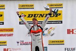 Champion #52 Gordon Shedden, Halfords Yuasa Racing, Honda Civic Type R
