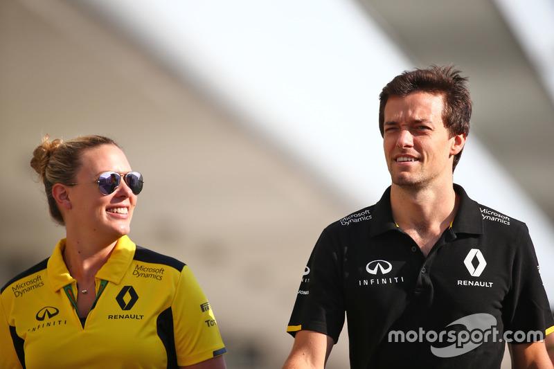 Jolyon Palmer, Renault Sport F1 Team con Aurelie Donzelot, Renault Sport F1 Team Media Communications Manager