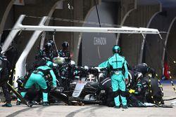 Lewis Hamilton, Mercedes AMG F1 Team W07, Boxenstopp
