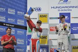 Podio: segundo lugar Ralf Aron, Prema Powerteam Dallara F312 – Mercedes-Benz;Ganador Maximilian Günther, Prema Powerteam Dallara F312 – Mercedes-Benz