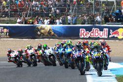 Valentino Rossi, Yamaha Factory Racing lidera en el inicio