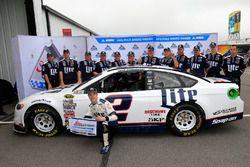 Polesitter Brad Keselowski, Team Penske, Ford
