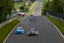Sabine Schmitz, All-Inkl Motorsport, Chevrolet RML Cruze TC1 y Thed Björk, Polestar Cyan Racing, Vol