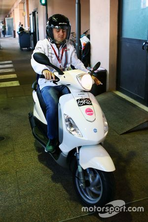 Felipe Massa, Williams sur son scooter