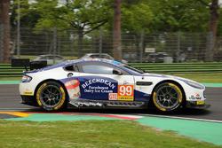 #99 Aston Martin, Racing Aston Martin Vantage V8: Andrew Howard, Darren Turner, Alex MacDowall