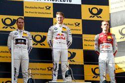 Podium: le vainqueur Marco Wittmann, BMW Team RMG, BMW M4 DTM; le deuxième Tom Blomqvist, BMW Team RBM, BMW M4 DTM;le troisième Jamie Green, Audi Sport Team Rosberg, Audi RS 5 DTM; Stefan Reinhold, BMW Team RMG