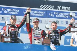 Podium: race winner Matias Rossi, Donto Racing Chevrolet, second place Facundo Ardusso, JP Racing Do