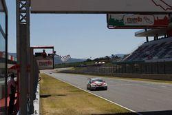 Alberto Viberti, Seat Leon Racer S.G.-TCR prende la bandiera a scacchi