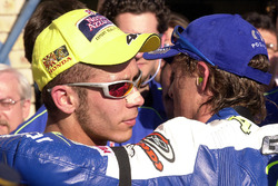 Race winner Sete Gibernau, Telefónica Movistar Honda and second place Valentino Rossi, Repsol Honda Team