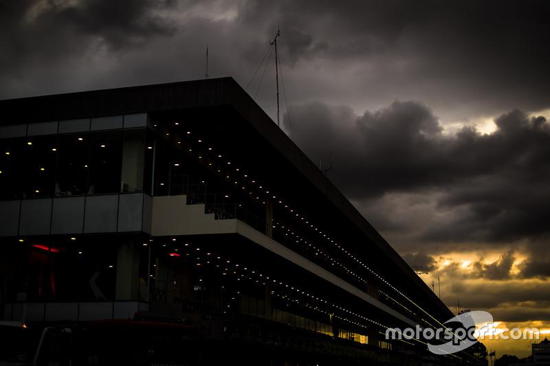 Autodromo Hermanos Rodriguez atmosphere