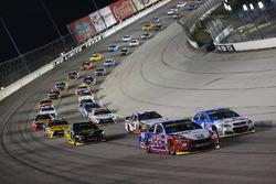 Joey Logano, Team Penske, Ford; Kevin Harvick, Stewart-Haas Racing, Chevrolet