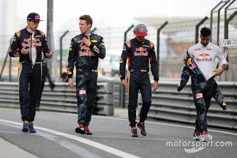 Depois de um bom 2018 com a Toro Rosso, Gasly foi promovido. Entretanto, o francês não convenceu na Red Bull e foi rebaixado para dar lugar a Alexander Albon a partir do GP da Bélgica. A troca é a última de uma histórica dança das cadeiras entre equipe principal e júnior na F1.
