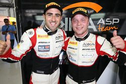 Ganadores de la pole #88 AKKA ASP Mercedes AMG GT3: Tristan Vautier, Felix Rosenqvist