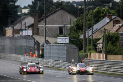 #46 Thiriet by TDS Racing Oreca 05 Nissan: Pierre Thiriet, Mathias Beche, Ryo Hirakawa, #41 Greaves