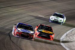 A.J. Allmendinger, JTG Daugherty Racing Chevrolet en Martin Truex Jr., Furniture Row Racing Toyota